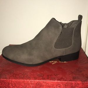 ⭐️NWT⭐️American Rag Ankle Bootie